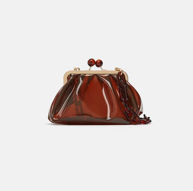 画像2: 日本でも購入可!エミリー・ラタコウスキーの愛用バッグはZARA