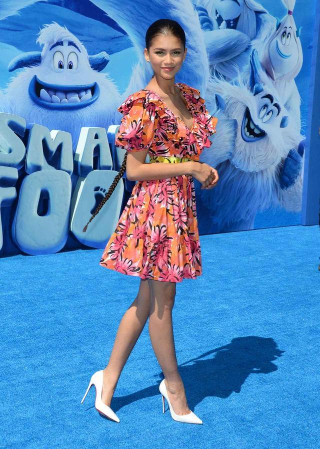 画像2: ゼンデイヤが『スモールフット』のプレミアに、マイケル・コース コレクションの最新ドレスで