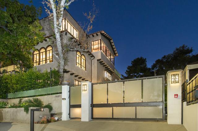 画像: リアーナはハリウッド・ヒルズのこちらの物件を2017年に約7.5億円で購入した。