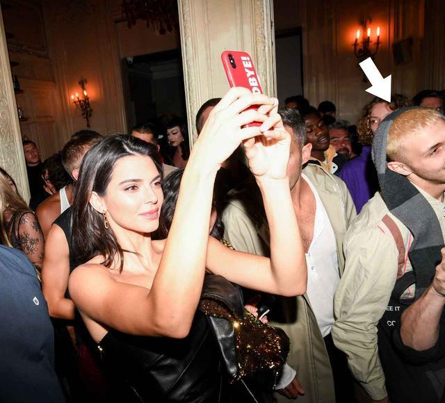 画像: ケンダルもアンワーも、現在ファッションウィークが開催中のフランス・パリに滞在している。