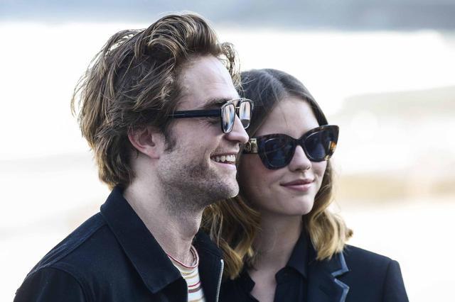 画像4: ロバートとミアの元恋人同士が熱愛