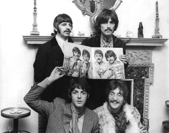 画像1: ジョンが褒めたザ・ビートルズの曲とは?