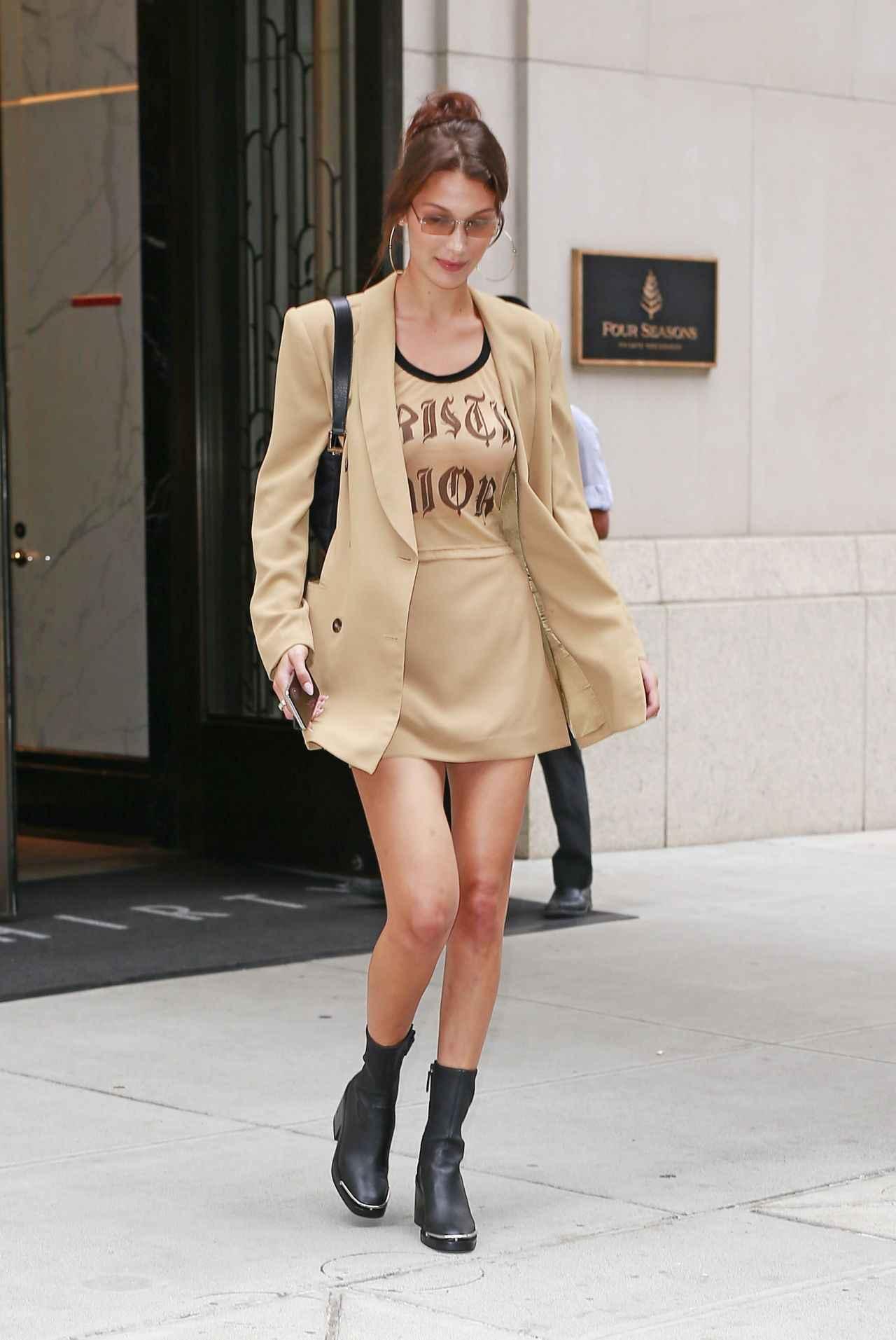 画像1: モデルのベラ・ハディッド