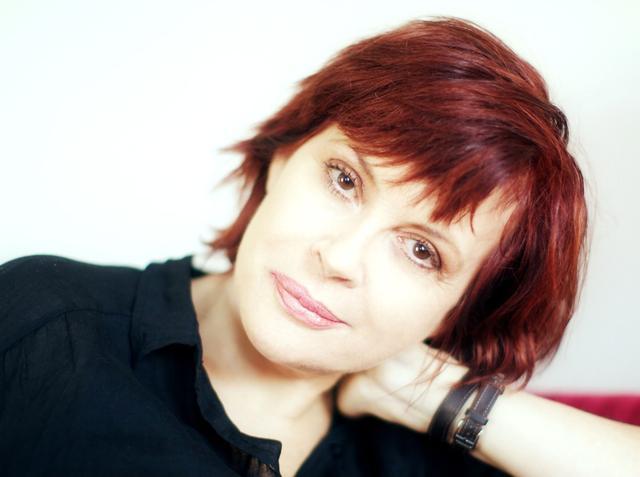 画像: オーストラリア出身のクリッシー・アンフレット。乳がんとの闘病の末、53歳の若さでニューヨークの自宅で息を引き取った。