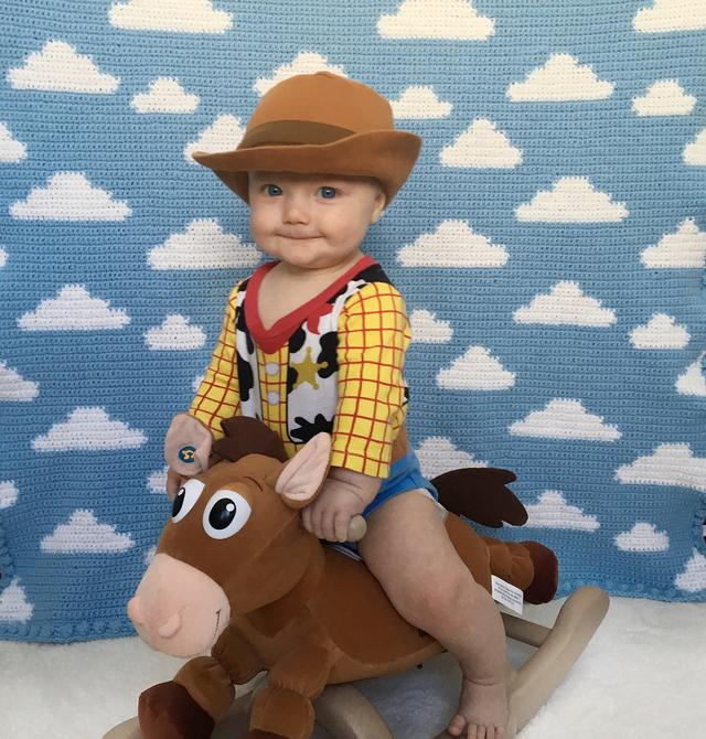 "画像1: Tucker on Instagram: ""⭐️Giveaway CLOSED ⭐️Hey howdy hey! We love our new Toy Story cloud blanket so much that we have decided to give one away! . To enter: ✨…"" www.instagram.com"