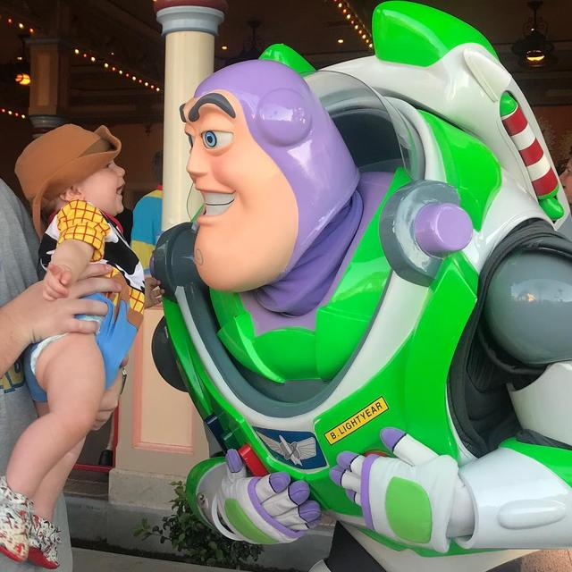 "画像1: Tucker on Instagram: ""When you see your best friend @Disneyland !  If I could be best friends with any Disney character I would definitely choose Buzz…"" www.instagram.com"