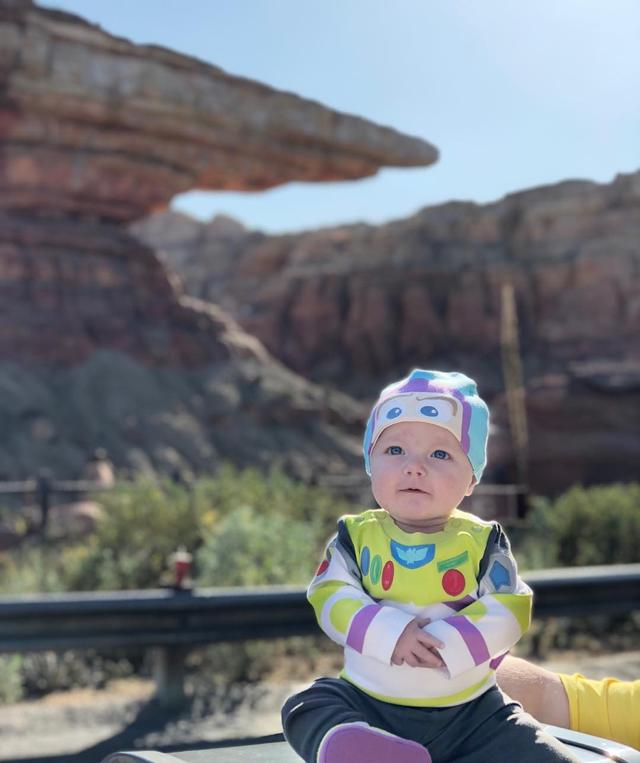 "画像1: Tucker on Instagram: ""To Radiator Springs and beyond!  . . . . . #toystory #disneyside #disneybaby #disneygram #buzzlightyear #disney #pixar #disneylove…"" www.instagram.com"