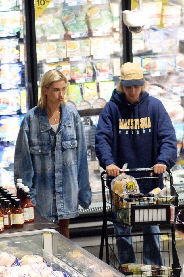 画像3: スーパーマーケットへ買い出し