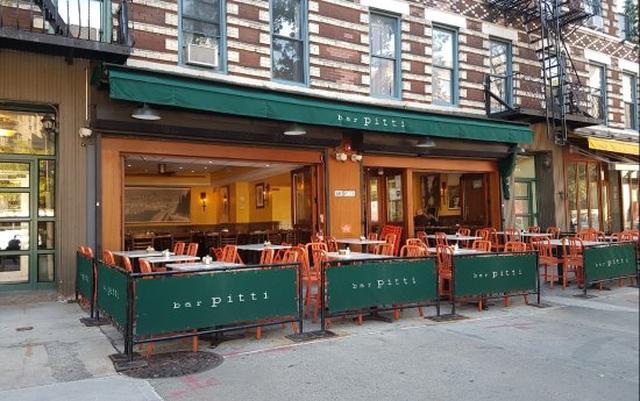画像2: ニューヨークにある行きつけのレストランへ