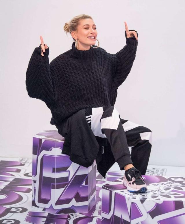 画像2: ロンドンファッションウィークに登場