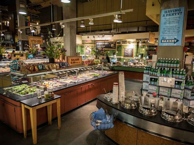 画像5: スーパーマーケットへ買い出し