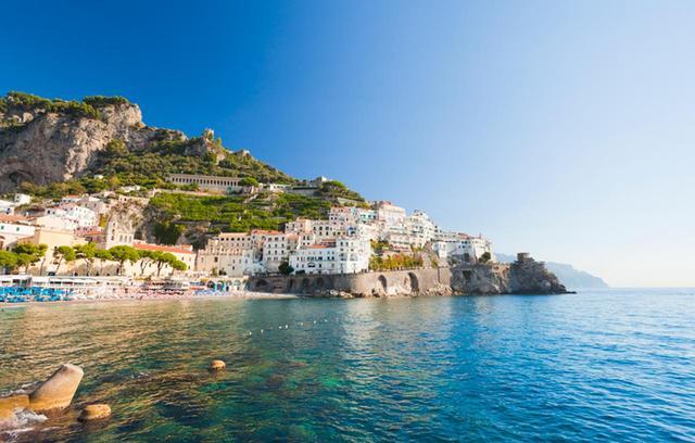 画像7: イタリアではヨットでバカンス