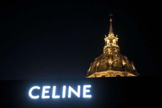 画像1: セリーヌ、エディ・スリマンのデビューで話題騒然の2019年春夏、話題のバッグも