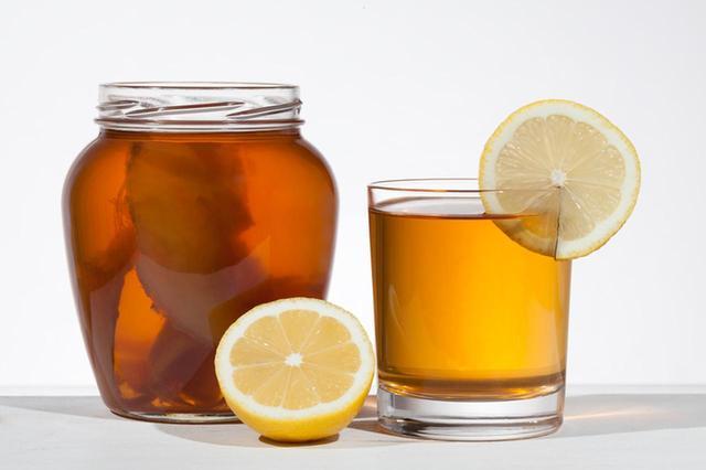 画像2: ひそかに長年セレブたちに飲まれ続け、海外で大人気のコンブチャ!その理由は?