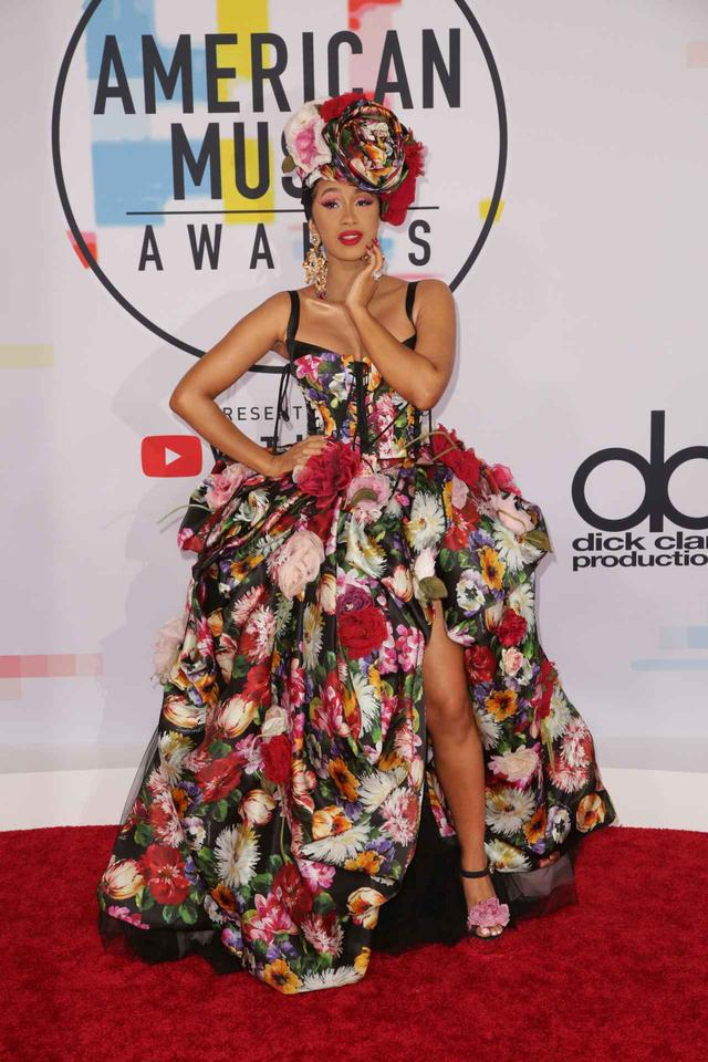 画像8: 2018年アメリカン・ミュージック・アワードのレッドカーペット・ファッションをお届け