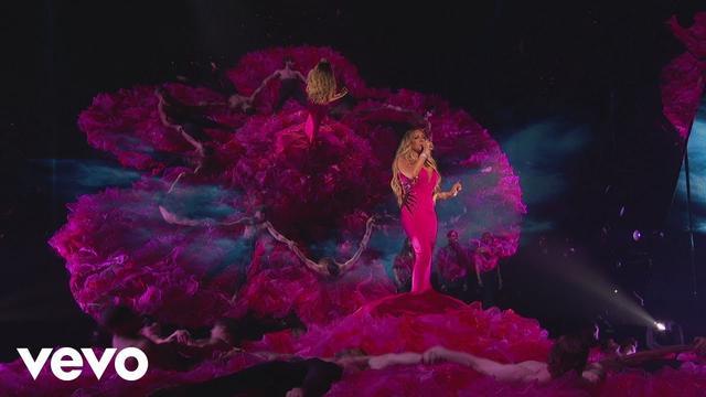 画像: Mariah Carey - With You (Live from the American Music Awards) www.youtube.com
