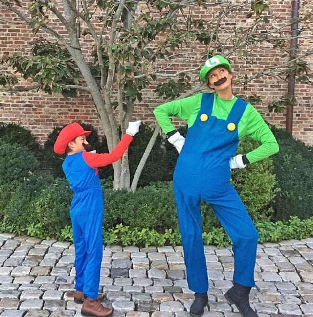 画像: 親子でもハロウィンを楽しもう!セレブ一家のハロウィンコスチューム6選