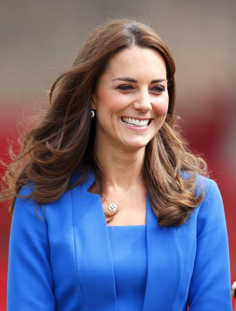 画像: 2014年、シャーロット王女を妊娠したことが発表される約1カ月前にはあえて根元を染めずに公の場に登場し、話題に。