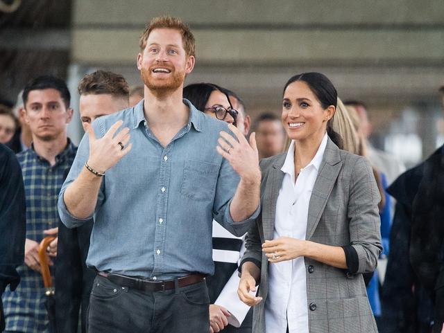 画像: 左手薬指にはメーガン妃とのロイヤル・ウェディング以来身に着けている結婚指輪を着用。
