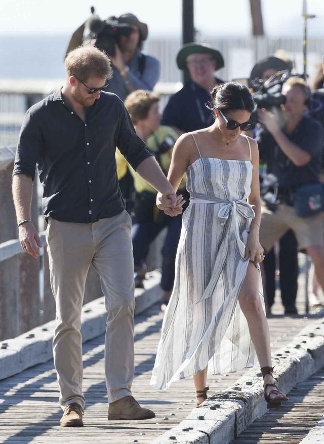 画像3: メーガン妃のカジュアルな服装に注目