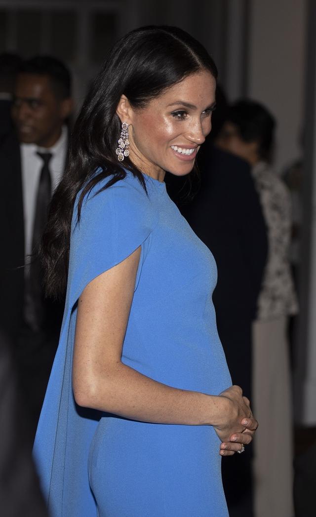 """画像2: ヘンリー王子が妊娠中のメーガン妃気遣い「お断り」したものが""""夫の鑑"""""""