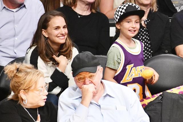画像1: ナタリー・ポートマンの7歳息子が映画『レオン』時代のナタリーと瓜二つ