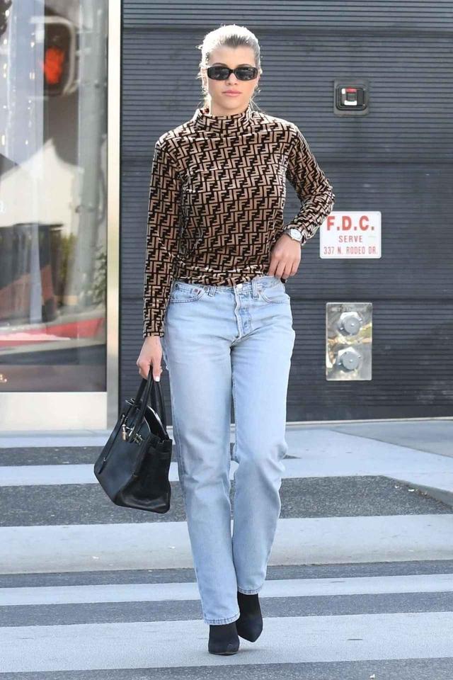 画像1: 人気モデルのソフィア・リッチ―