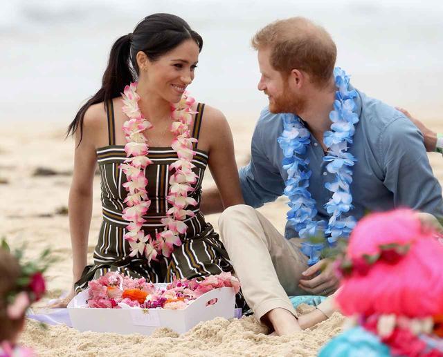 画像1: 公務中でもラブラブなヘンリー王子&メーガン妃夫妻