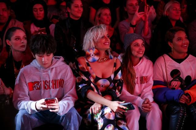 画像3: MOSCHINO [TV] H&M ファッションショーが開催、一般発売間近!