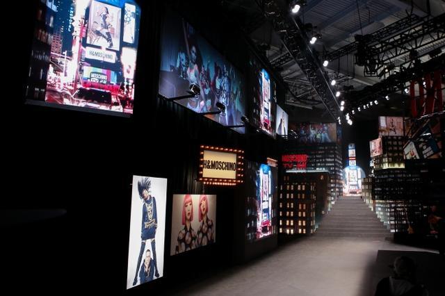画像8: MOSCHINO [TV] H&M ファッションショーが開催、一般発売間近!
