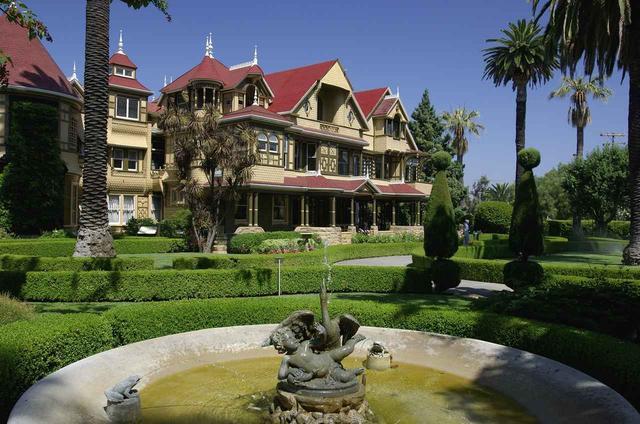 画像: アメリカ、カリフォルニア:ウィンチェスター・ミステリー・ハウス