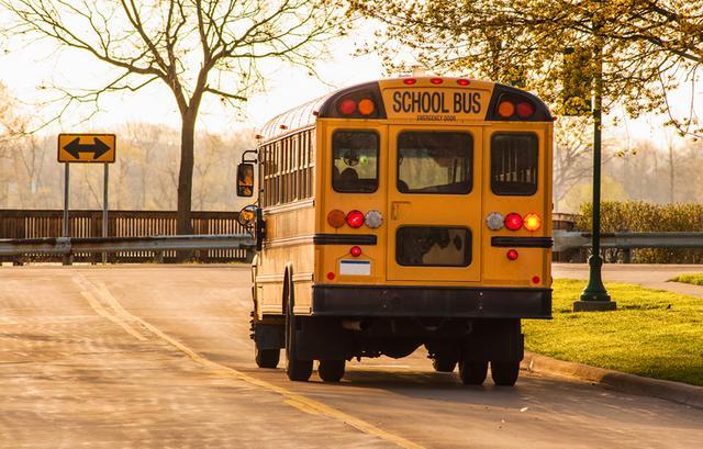 画像2: バスの中で突然生理が始まった少女をさりげなく救った少年の行動が「これぞ紳士」