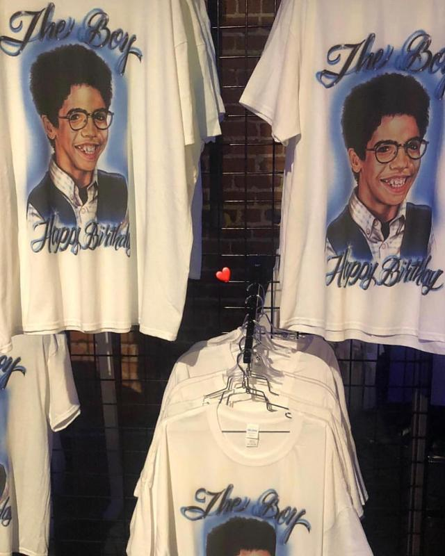 "画像1: Drake Official Fansite on Instagram: ""Shirts from #Drake's 2000's bday party tonight in LA."" www.instagram.com"
