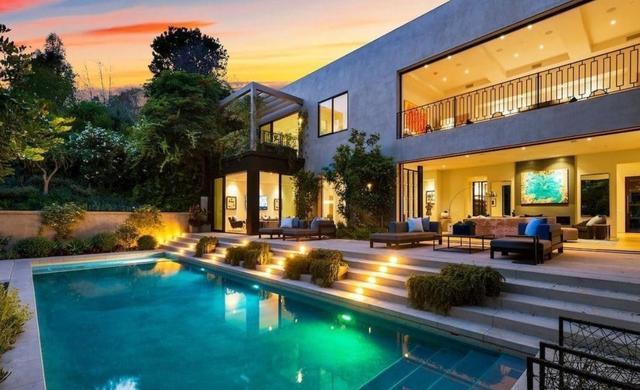 画像1: 15億円の新居を購入
