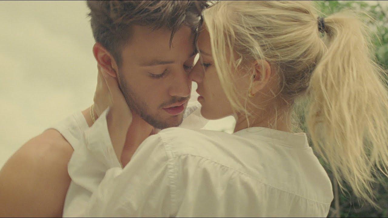 画像: Cameron Dallas - Why Haven't I Met You? www.youtube.com