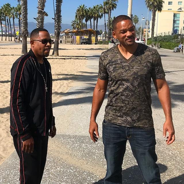 "画像1: Martin Lawrence on Instagram: ""It's official. Bad Boys for Life. #teammartymar #badboysforlife @willsmith #weback"" www.instagram.com"