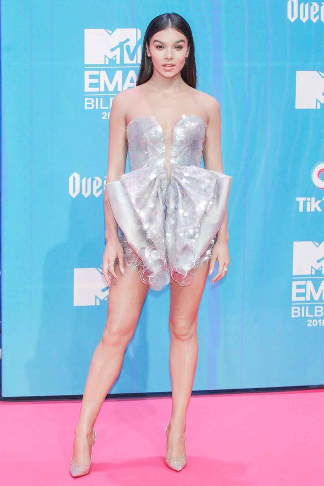 画像2: MTV EMAの華やかなレッドカーペットスタイルを紹介