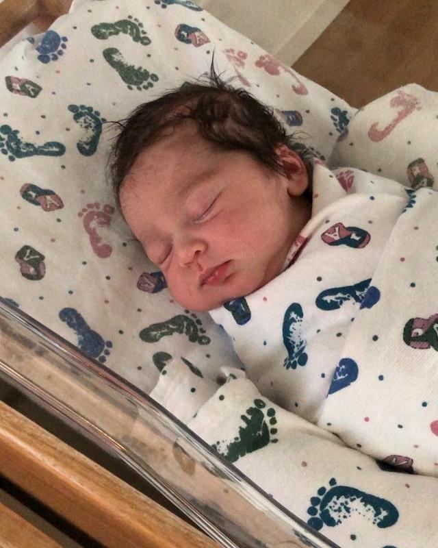 """画像1: Josh Brolin on Instagram: """"Dearest Ladies and Gentlemen,  I would like to introduce our little girl Westlyn Reign Brolin (Bean). Mama Kathryn was stellar during this…"""" www.instagram.com"""