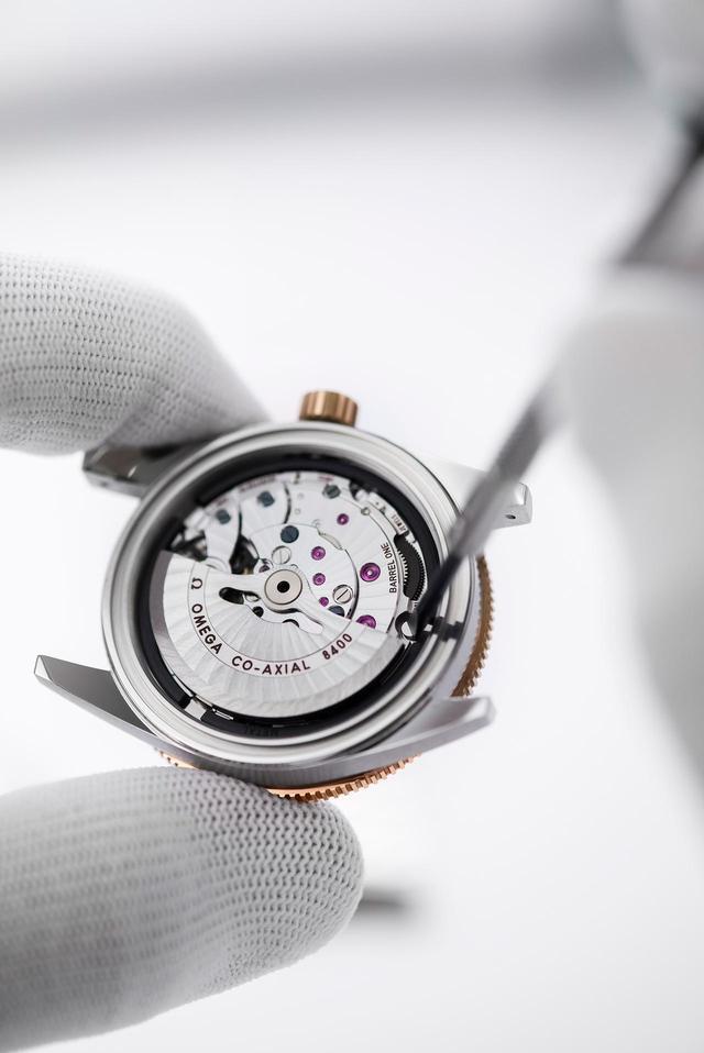 画像1: オメガ、すべての時計の保証期間を5年間に延長