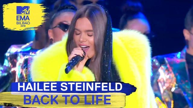 "画像: Hailee Steinfeld - ""Back To Life"" Live 