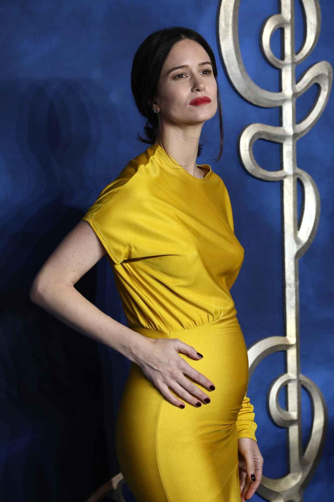 画像2: ティナ役が妊娠をサプライズ報告