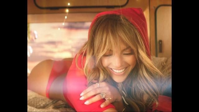 画像: Jennifer Lopez & Bad Bunny - Te Guste (Official Music Video) www.youtube.com