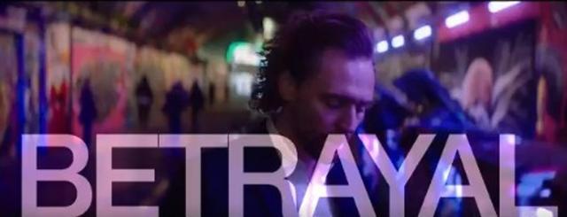 画像: 動画の最後にはタイトルの『Betrayal』の文字が。©Tom Hiddleston/ Twitter