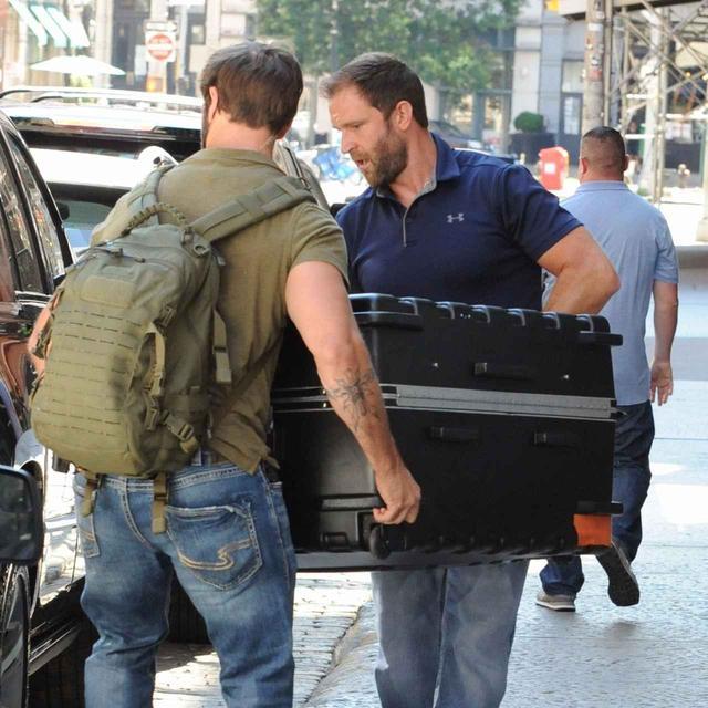 画像: 最初に報道が出た時、テイラーが入っていたとされるスーツケース。