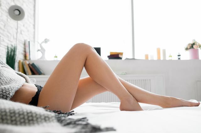 画像: 肌の「埋没毛」を改善してツルツル素肌になる方法