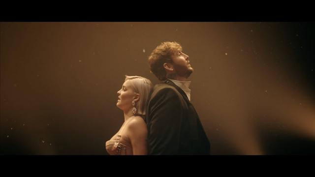 画像: Anne-Marie & James Arthur - Rewrite The Stars [from The Greatest Showman: Reimagined] www.youtube.com