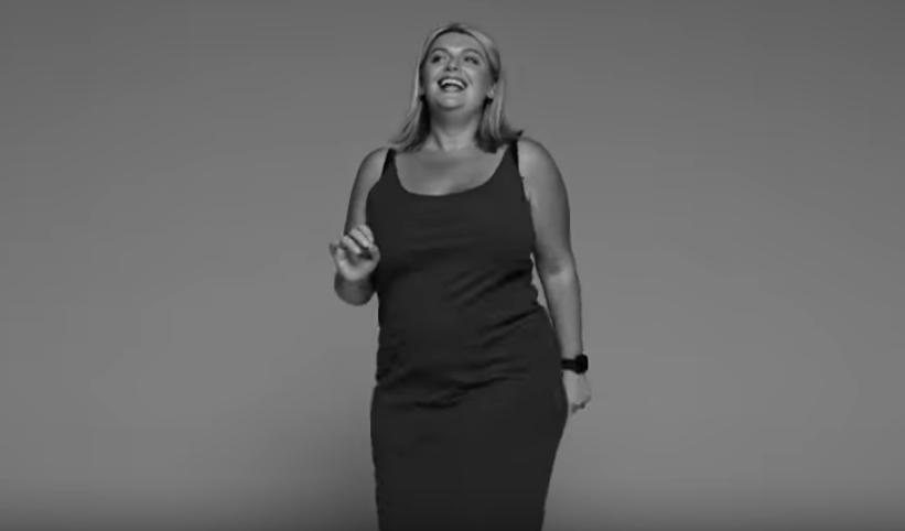 画像3: リトル・ミックス、新MV「ストリップ」で『女性をインスパイアする女性』を集結