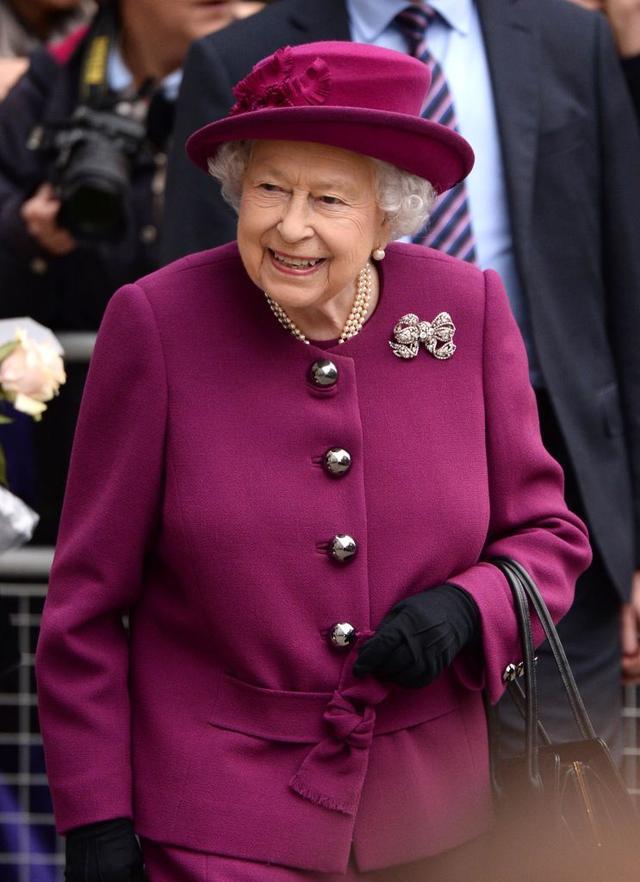 """画像: 「妊娠」という言葉が嫌いなエリザベス女王、代わりに使う""""隠語""""って?"""