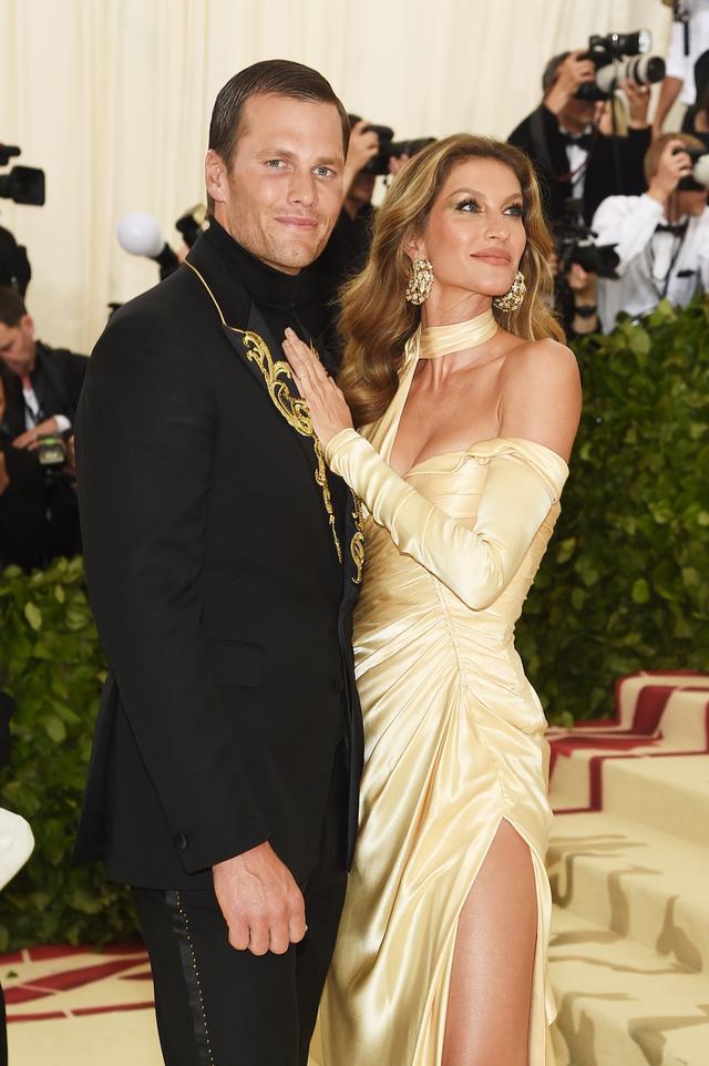 画像: トム・ブレイディと妻のジゼル・ブンチェン。