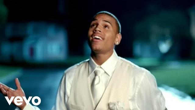 画像: Chris Brown - This Christmas (Official Music Video) www.youtube.com